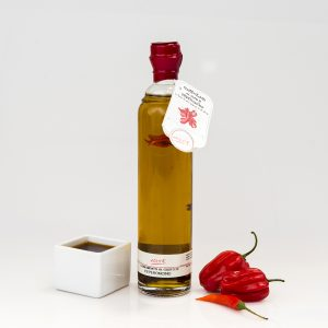 """GARLIC AND CHILI PEPPER FLAVORED EXTRA VIRGIN OLIVE OIL """"ALPHA 20cl"""""""