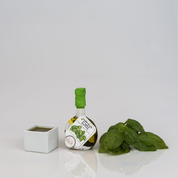 "BASIL FLAVORED EXTRA VIRGIN OLIVE OIL ""BASQUIAISE 4cl"""