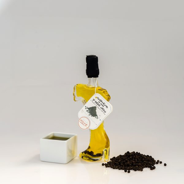 "BLACK PEPPER FLAVORED EXTRA VIRGIN OLIVE OIL ""ITALIA 4cl"""