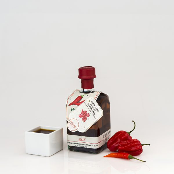 "CHILI PEPPER FLAVORED EXTRA VIRGIN OLIVE OIL ""QUADROTTA 25cl"""